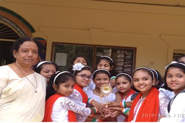 MVM Nayagarh Students Prize On Republic Day